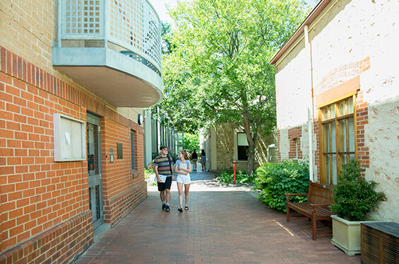 Lincoln College Entrance Bursaries - Student Accommodation Adelaide